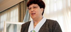 † Závodi Gyuláné (Kati néni), egykori igazgatónk